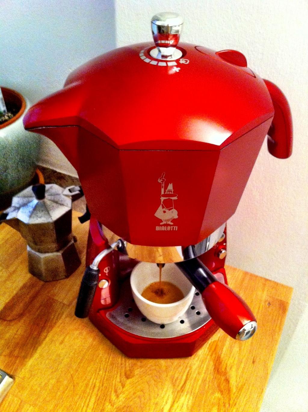 Moka Buongiorno Italia Mangiare Ridere Bialetti Espresso Machine Mokona Rossa To Be Continued
